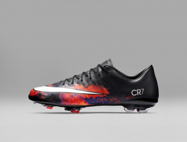 Nike MercurialX Superfly 6 Club CR7 IC Youth Indoor .